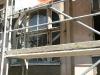 Okna w obiekcie są w bardzo kiepskim stanie, wymagają gruntownego remontu