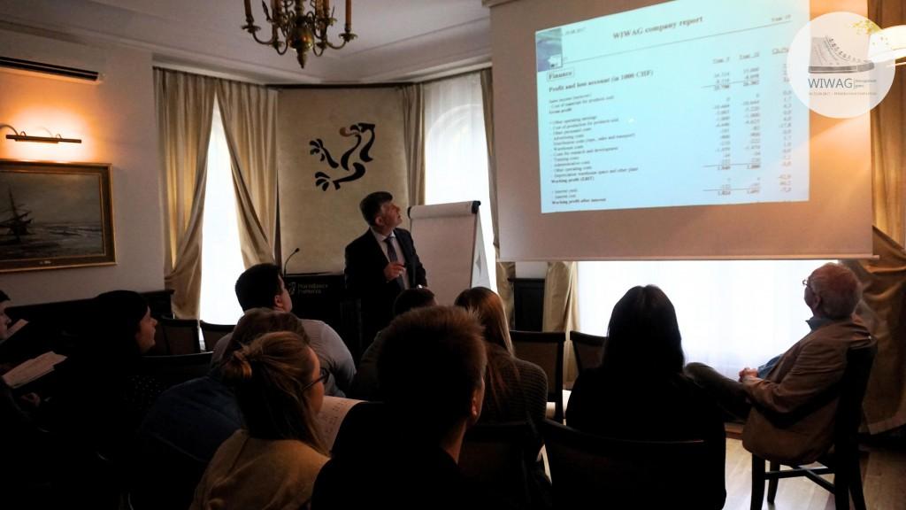 Dzień drugi WIWAG (19.09). Piotr Nowak, Prezes Zarządu Morskiego Portu Gdynia S.A.  Wykłady i warsztaty z ekonomii.