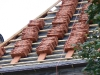Dekarze musieli wymienić całość pokrycia dachowego ze względu na bardzo zły stan dachówek