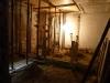 Część przyziemia wymagająca kompleksowej modernizacji, w tym szczególnie położenia nowej podłogi, wzmocnienia  stropów,kompleksowej przebudowy instalacji wewnętrznych oraz przystosowania pod przyszłą funkcję budynku